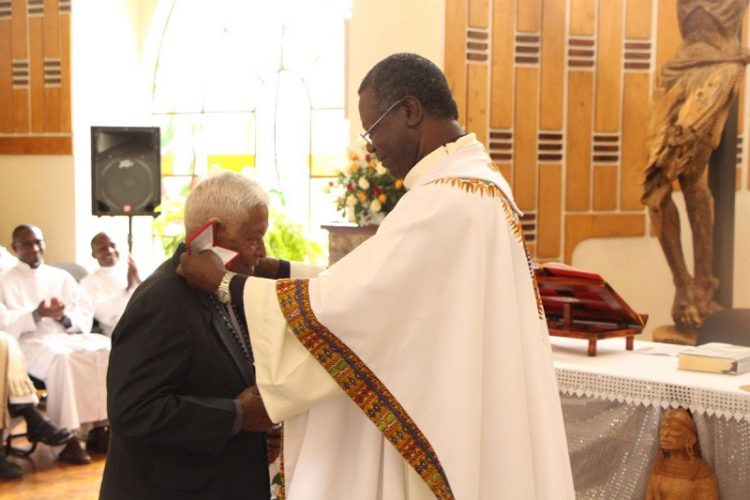 Jesuit Brother Receives Papal Recognition for Environmental Conservation