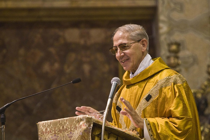 Jesuits mourn the passing of former Superior General